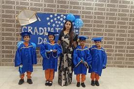 little_one_jajmau_gallery_graduation_day